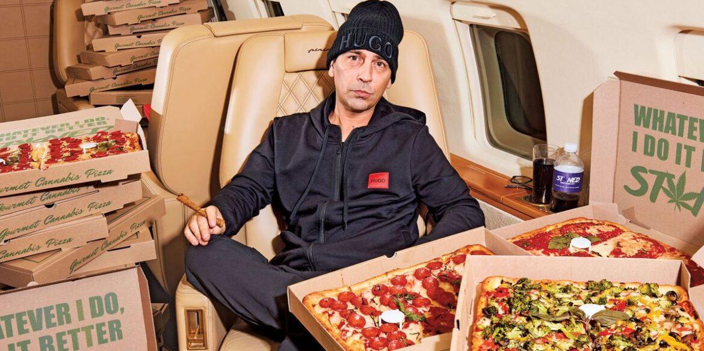 """Chris Barrett e le sue pizze da """"sballo"""""""